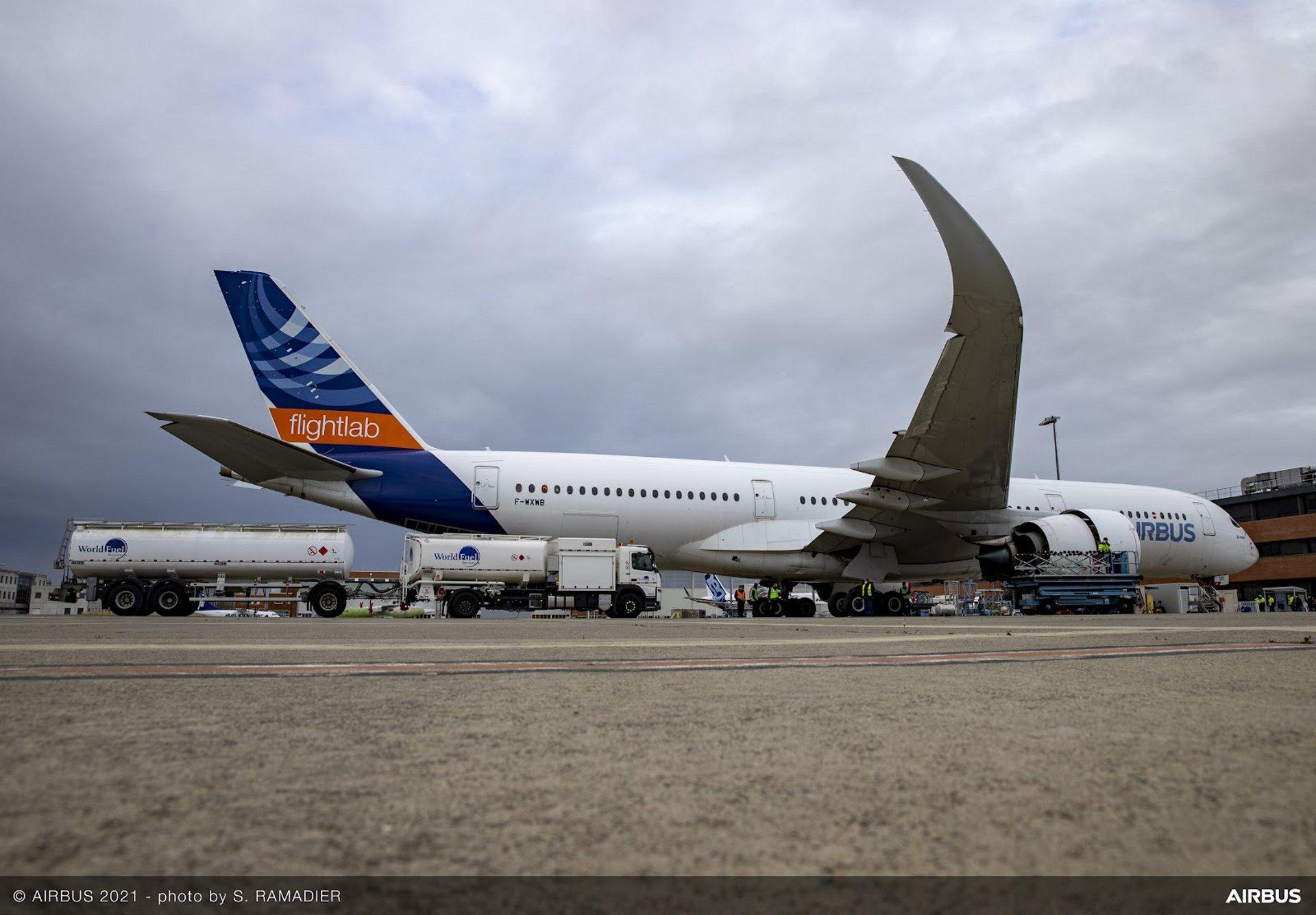 在A350MSN1飞行实验室进行100%可持续燃料测试. SAF, ECLIF3, HEFA燃料.
