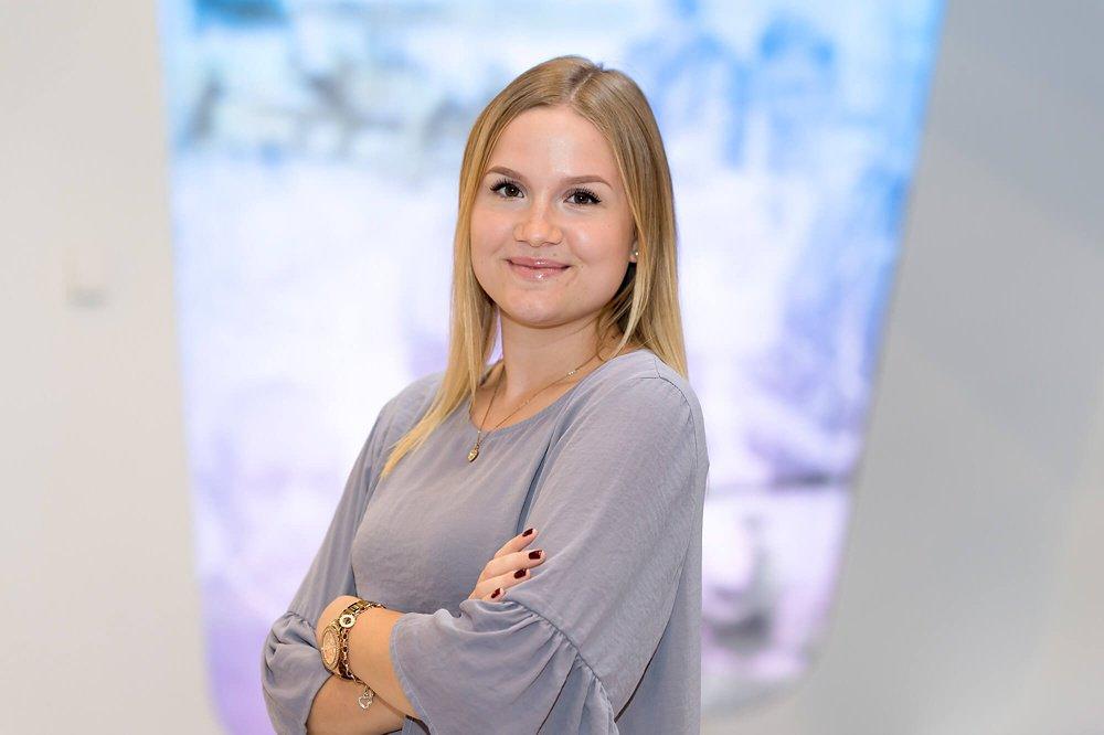 Sophia macht eine Ausbildung zur Europaassistentin bei Airbus in Ottobrunn.