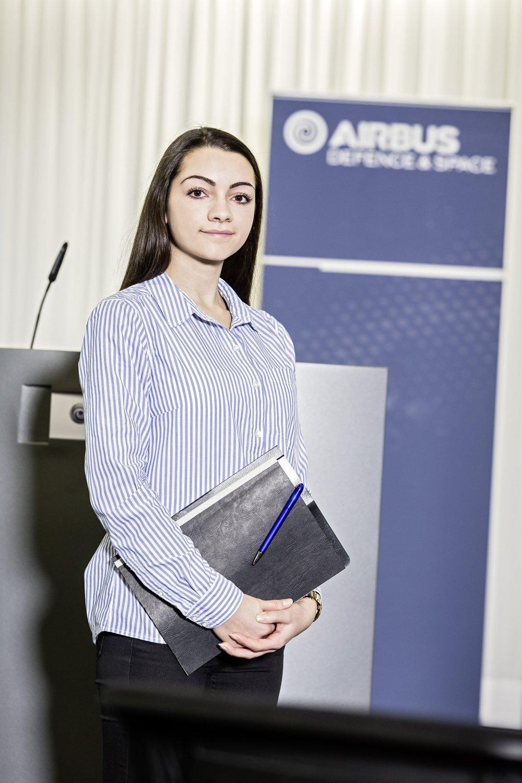 Irina, macht eine Ausbildung zur Kauffrau für Büromanagement.