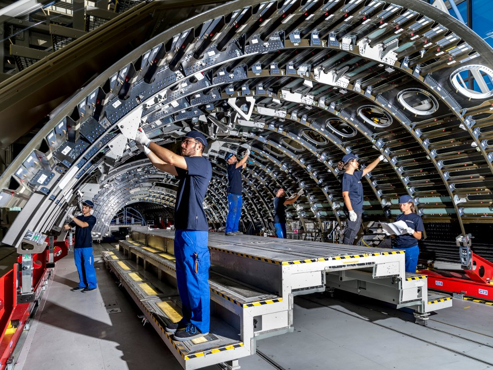 Shell Line, Werk 1, Premium Aerotec