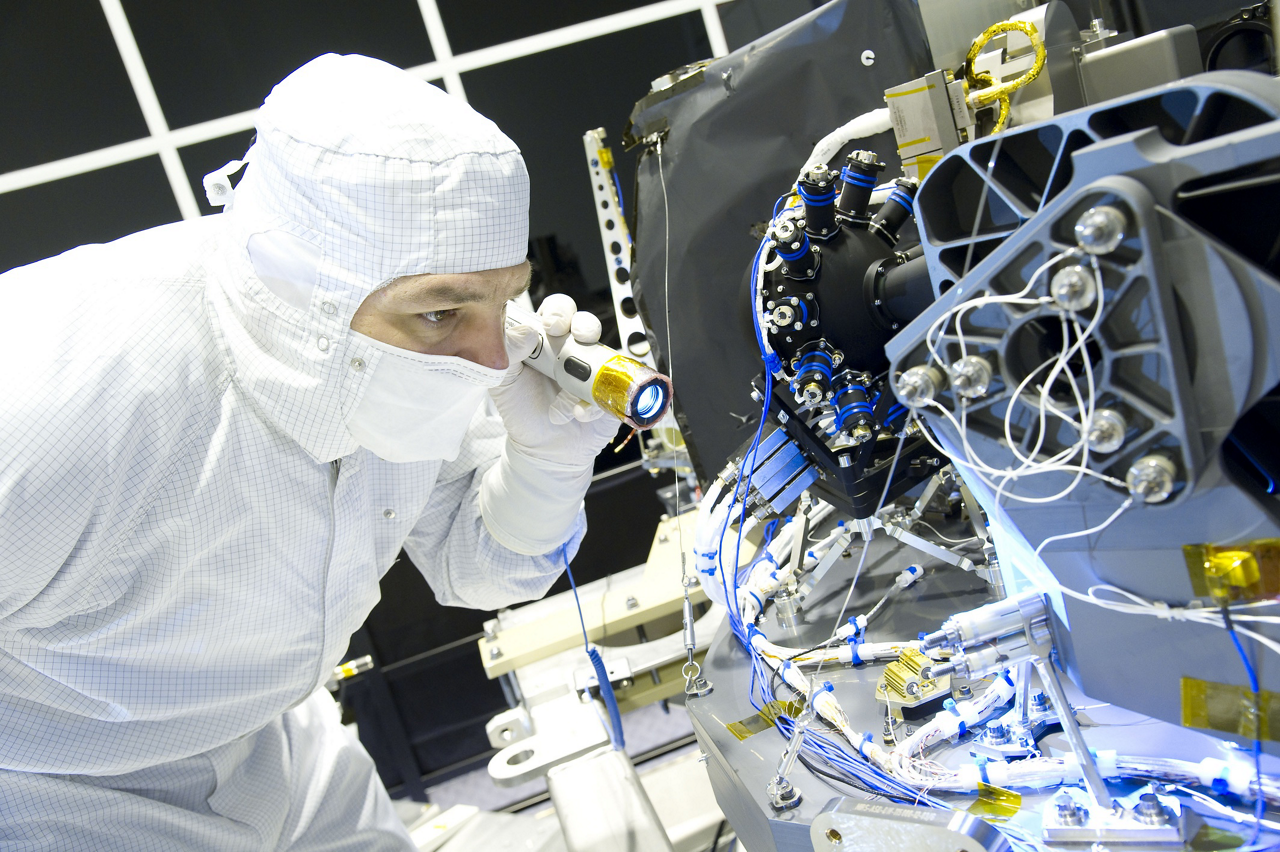The Near Infrared Spectrograph is shown during integration in the Ottobrunn cleanroom.