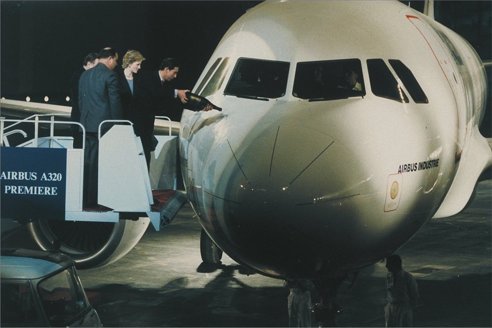 The A320 commercial aircraft was presented publicly for the first time during a 1987 ceremony in Toulouse, France, which involved the Prince and Princess of Wales.