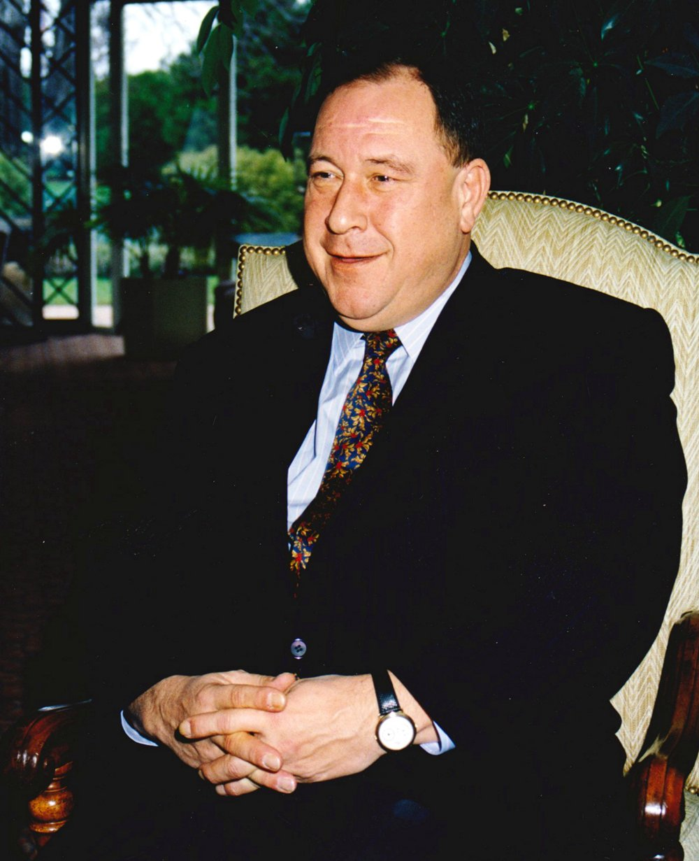 Jean Pierson served as CEO and Managing Director between 1985 and 1998.