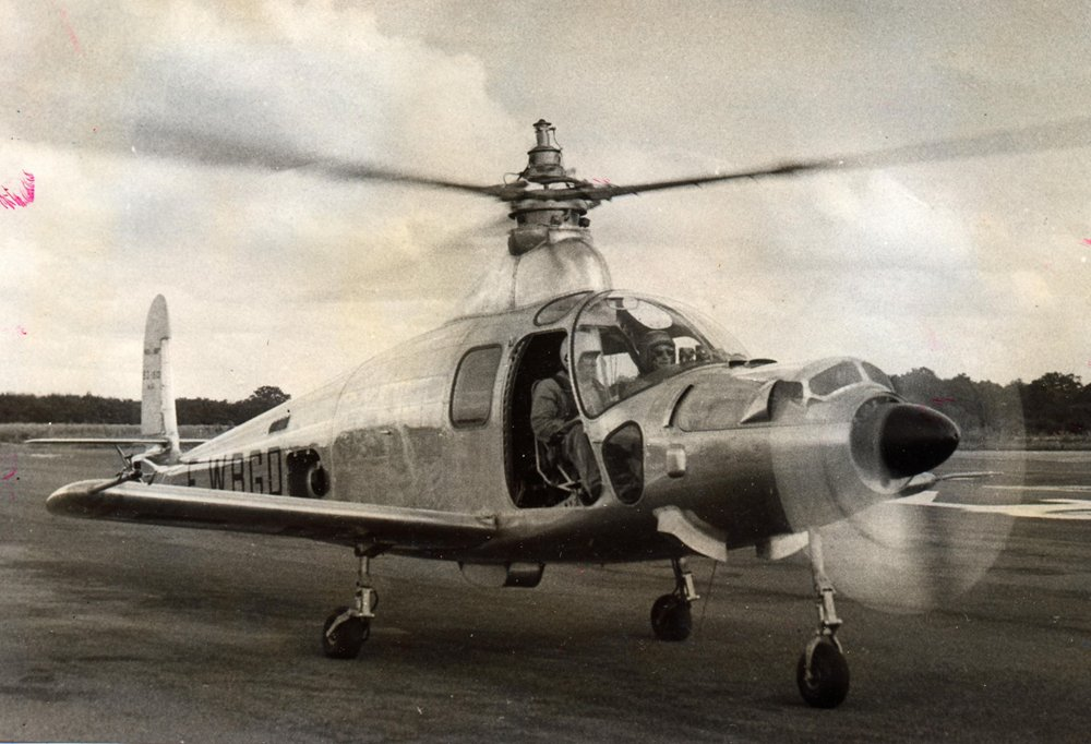 An SO1310 Farfadet aircraft piloted by French aviator Jean Dabos is shown ready for takeoff.
