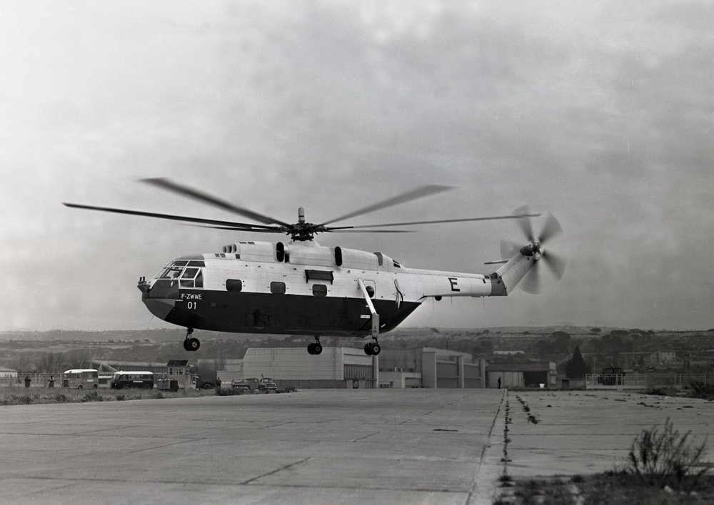 The Super Frelon SA 321 n° 01 in 1962 on the runway of Marignane.
