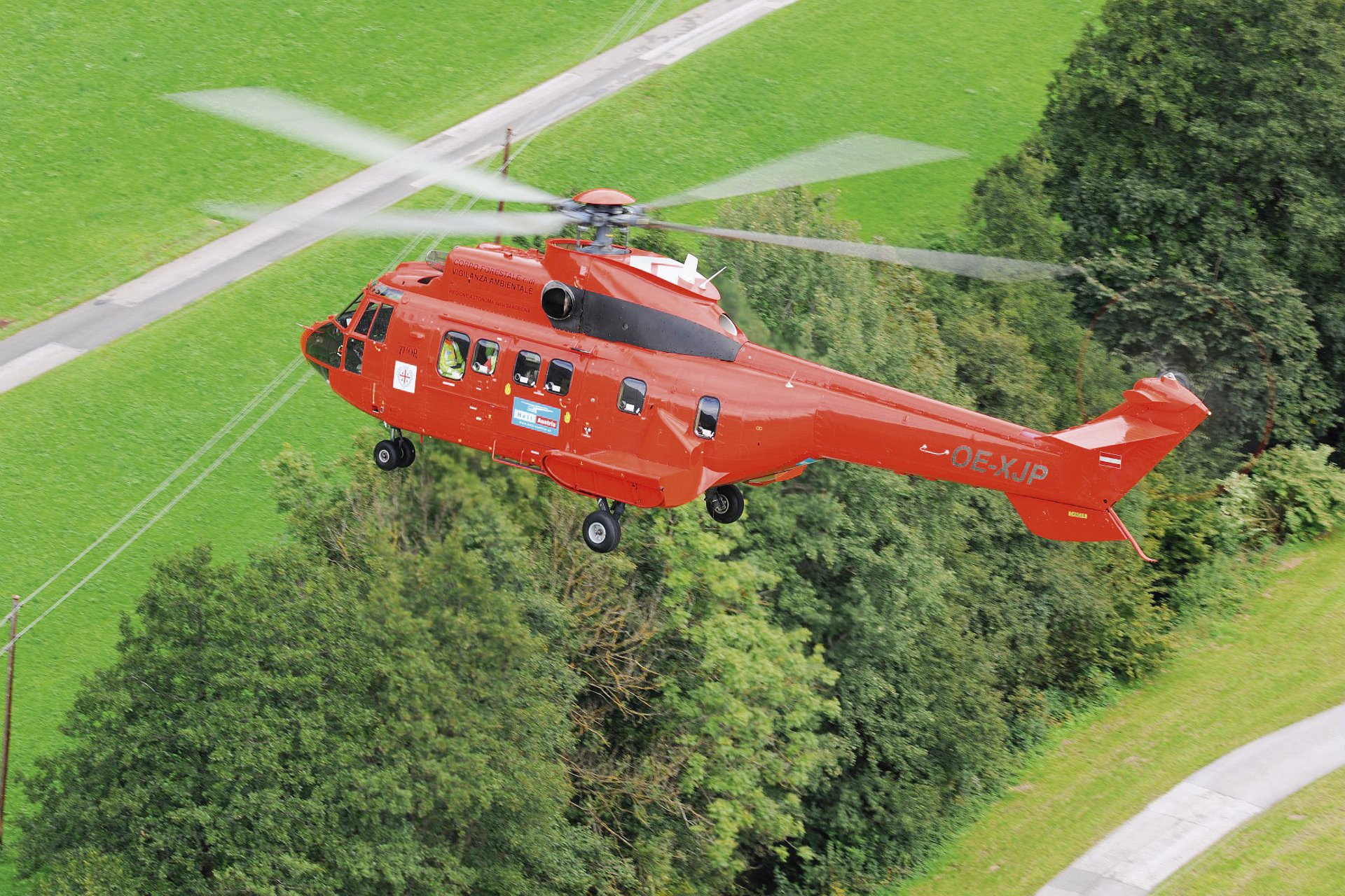 In 2016, Heli Austria acquired four H215 Super Pumas which they converted for heavylift aerial work and firefighting.