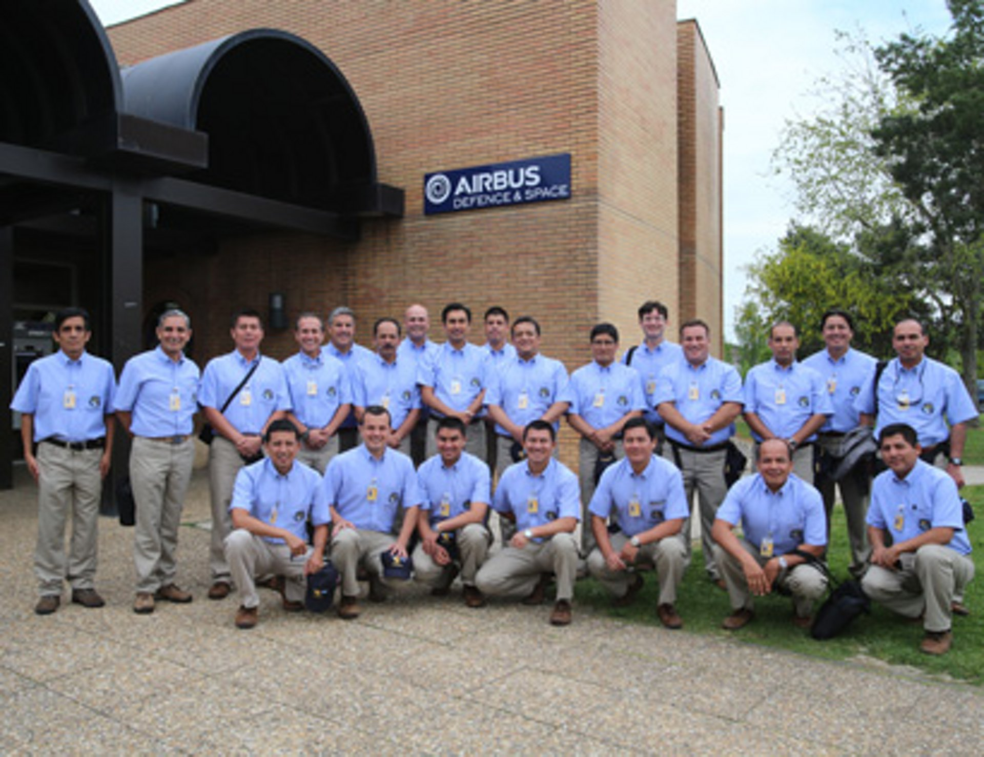 A group photo of Airbus employees that supported PerúSAT-1's production.