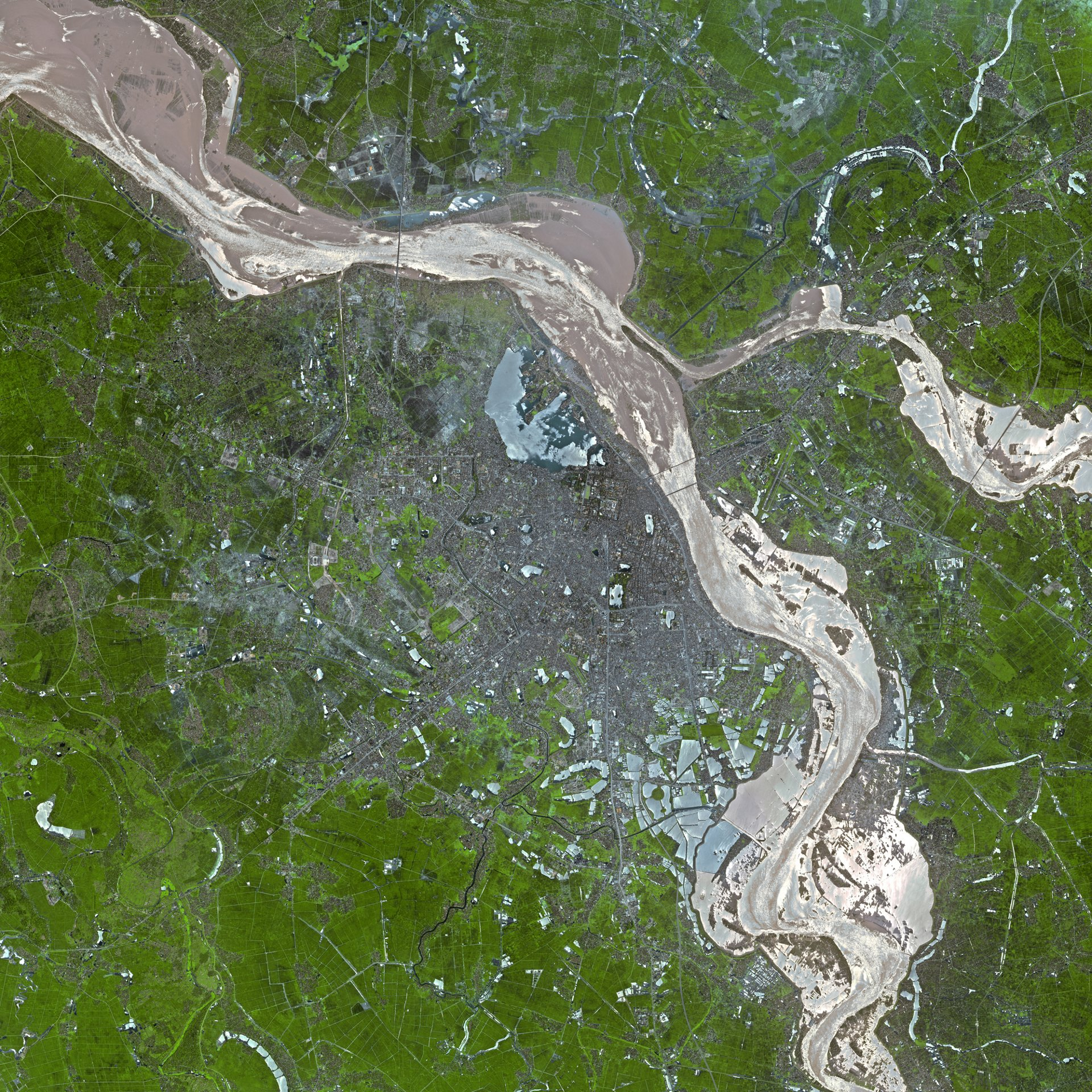 An example of the very-high-resolution imagery supplied by the Airbus-produced VNREDSat-1 Earth observation satellite.