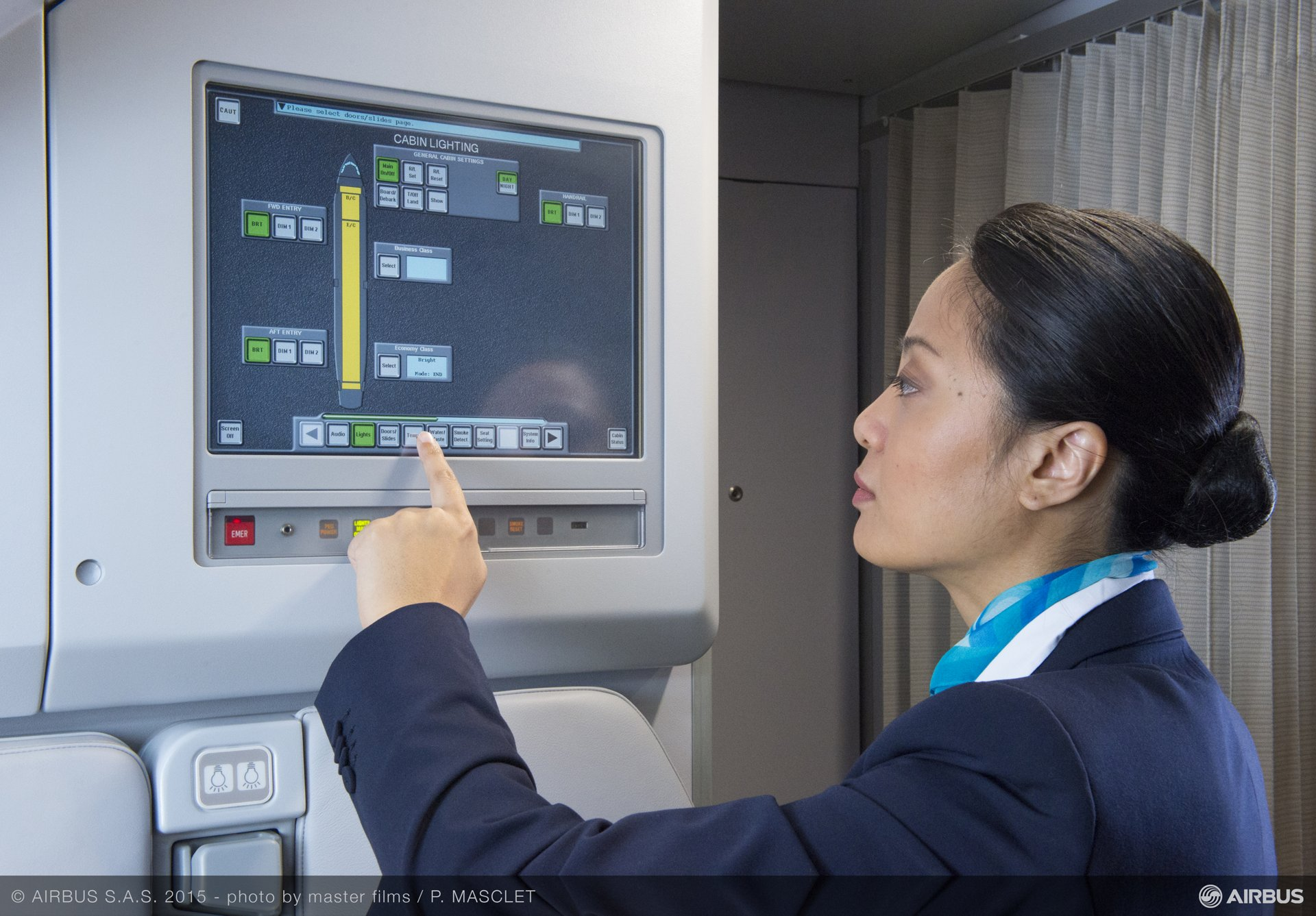 To ensure a successful entry-into-service and safe operations of all Airbus aircraft, Airbus provides a full range of cabin crew training courses. Enhanced knowledge of Airbus aircraft and cabin systems leads to cabin crews' optimum service on-board and passengers' full satisfaction.