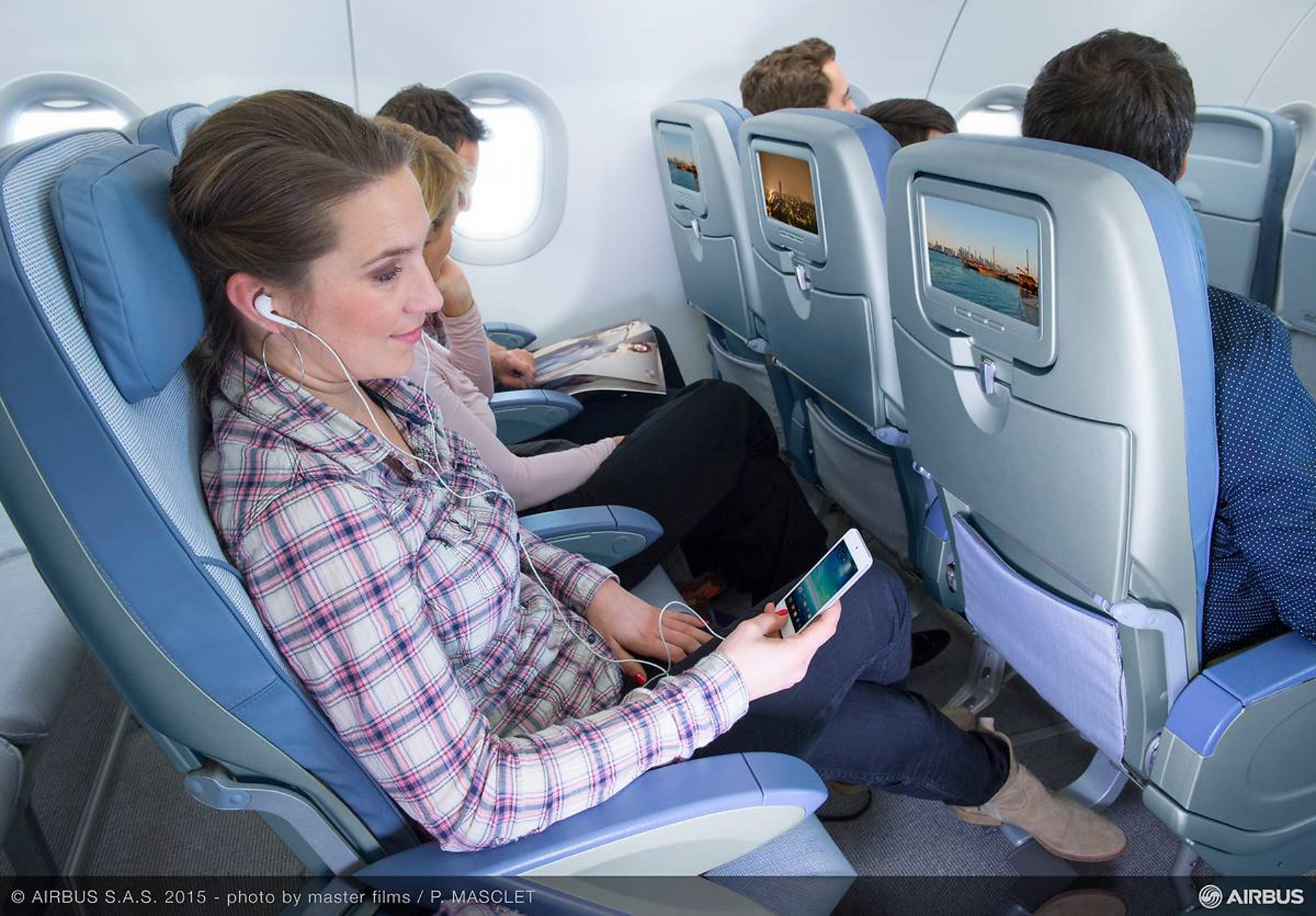Passengers wish to stay connected, even on board the aircraft. According to a recent survey, 17% already change their flights for a better connectivity in the US.