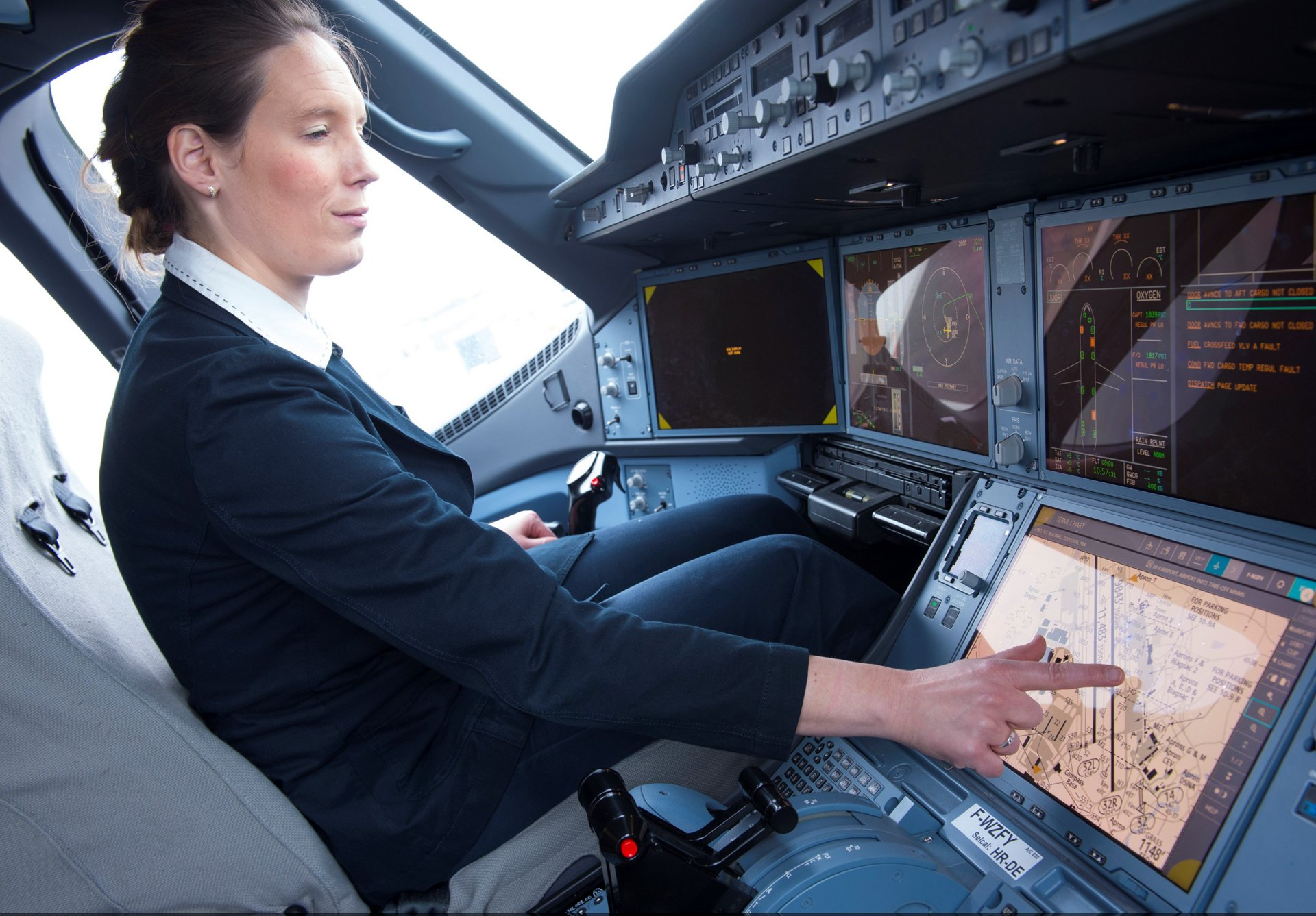 Microsoft Surface with EFB Software A350XWB Cockpit
