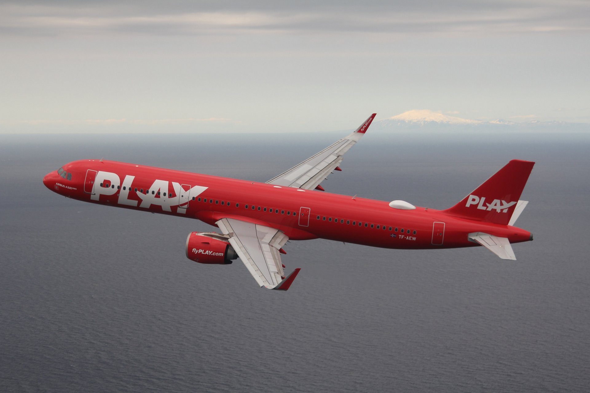 PLAY, the Iceland based start-up airline that started operations in June 2021, has signed a long-term deal with NAVBLUE for its innovative OCC suite. NAVBLUE's Plan & Control suite covers Flight Planning, Flight Following, Operations Control, Crew Management and Aircraft Performance. Additionally, PLAY has also signed on for NAVBLUE's electronic flight bag solution Flysmart+.