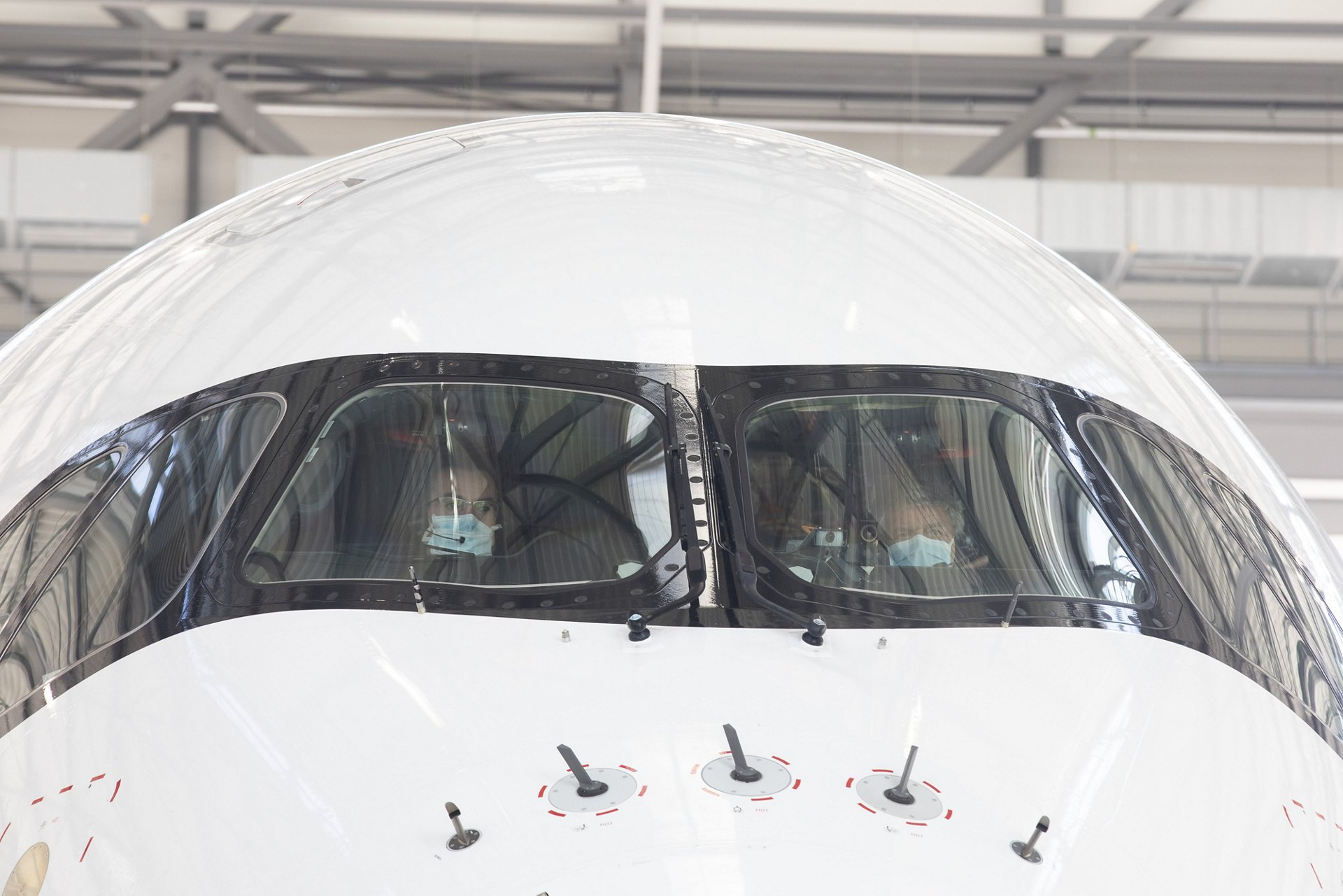 Pilots With Masks A350