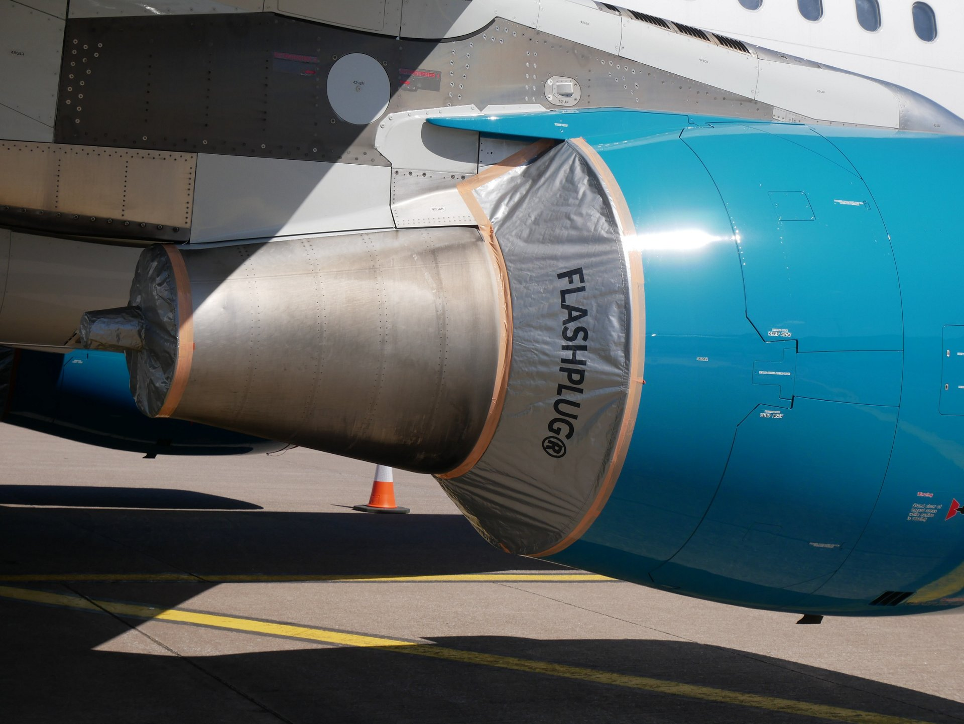 Satair now offers the newly launched FLASHPLUG® quick engine preservation solution developed by J.B. Roche in collaboration with Airbus - a real cost and time-saving innovation for parked aircraft.