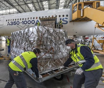 A350-1000 cargo unloading in Germany