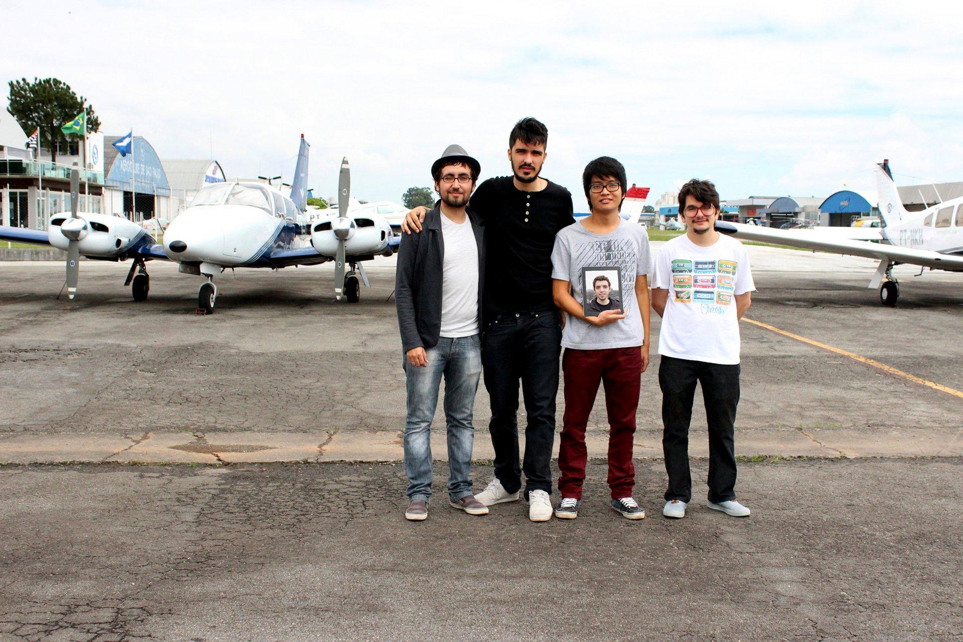 Airbus FYI 2013 Levar Team Brazil