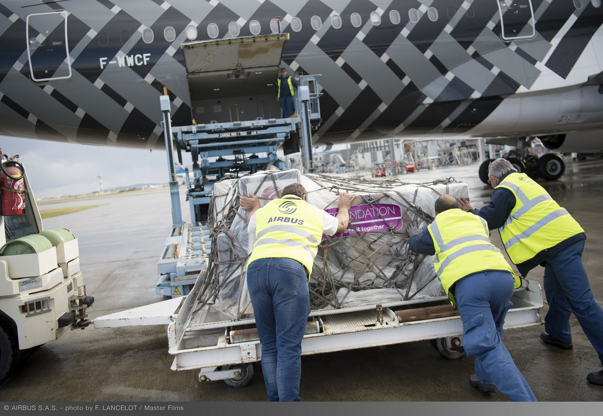 Loading Of Airbus Foundation Humanitarian Flight To Dubai 038