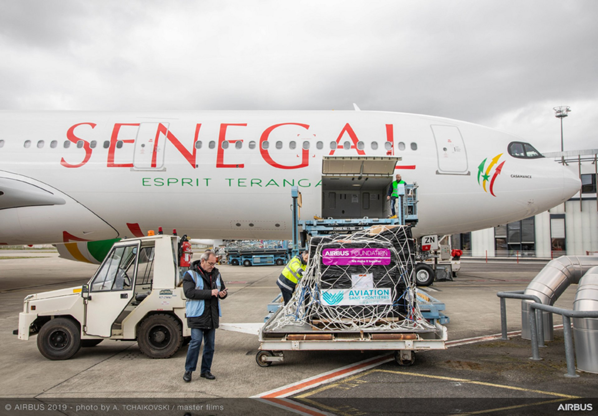 Humanitarian action by Airbus Foundation with Air Senegal