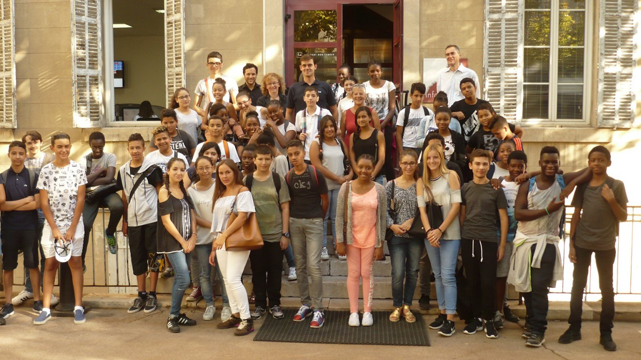 Airbus Helicopters volunteers inspire future generation at Institut Louis Germain summer school