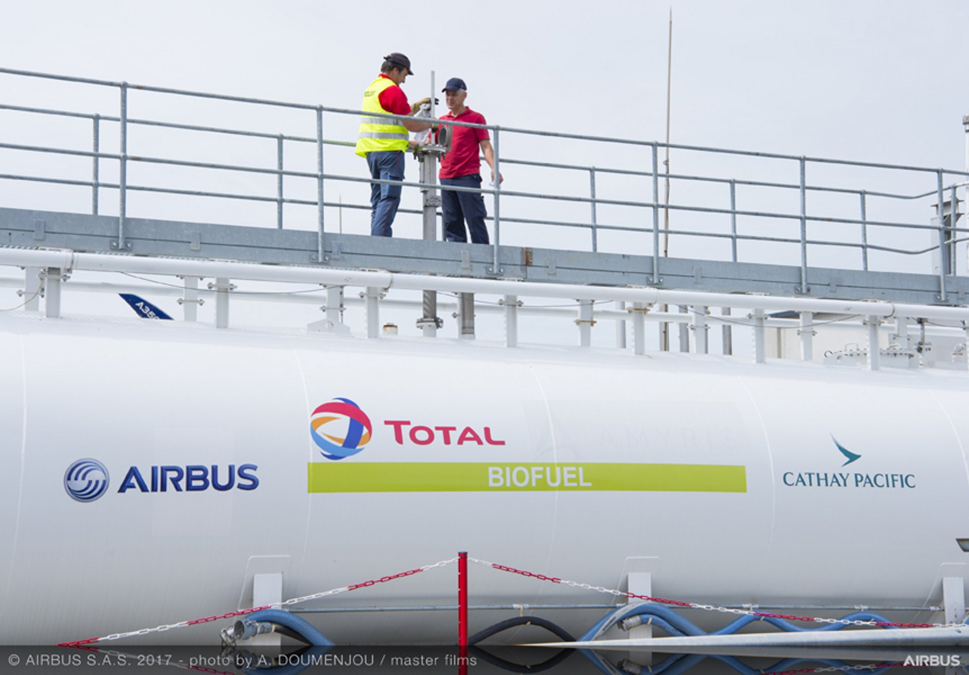 Airbus, Cathay Pacific  and Total are partners since 2016 to deliver the Cathay Pacific A350 with a blend of sustainable fuel.