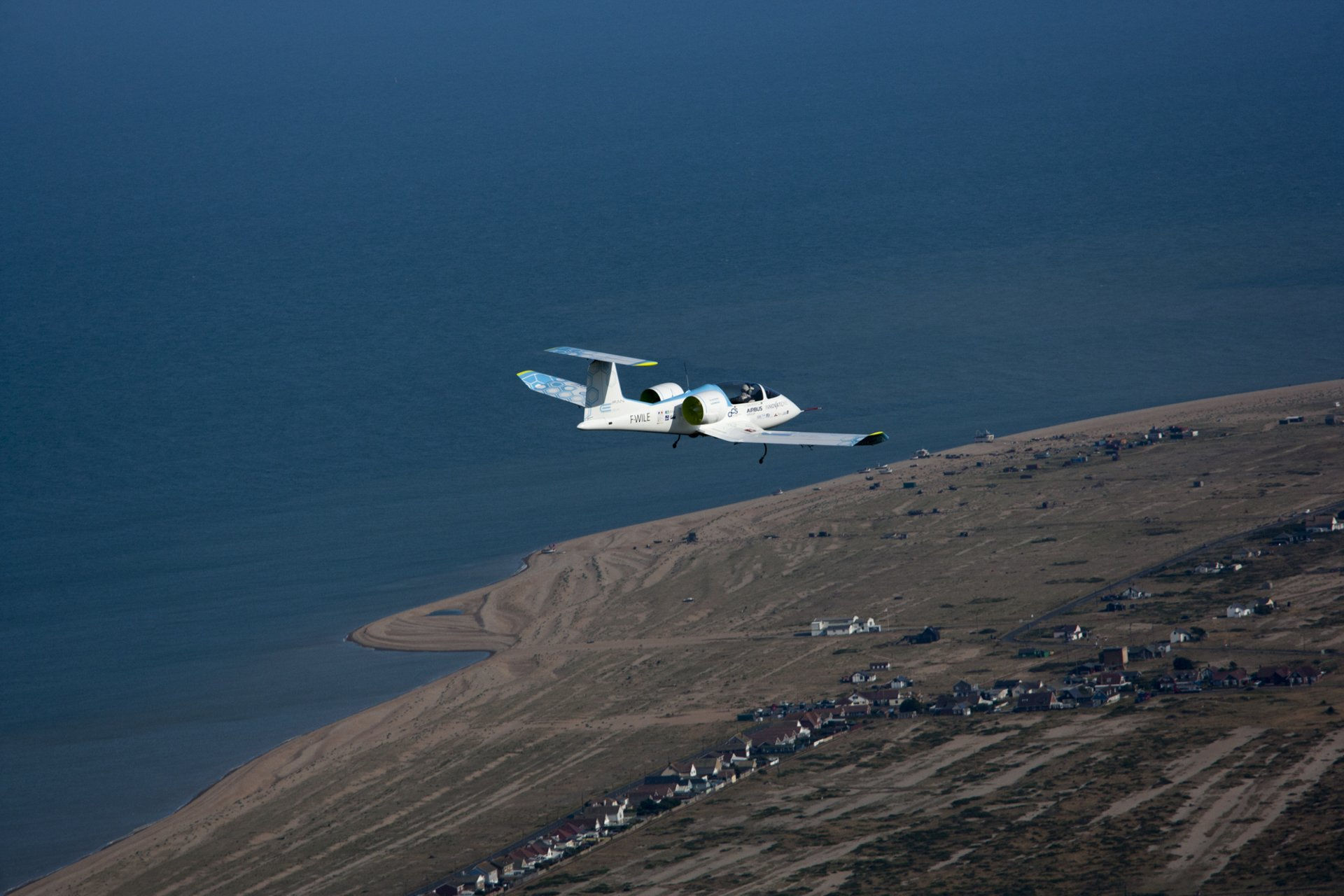 The E-Fan crossed the English Channel