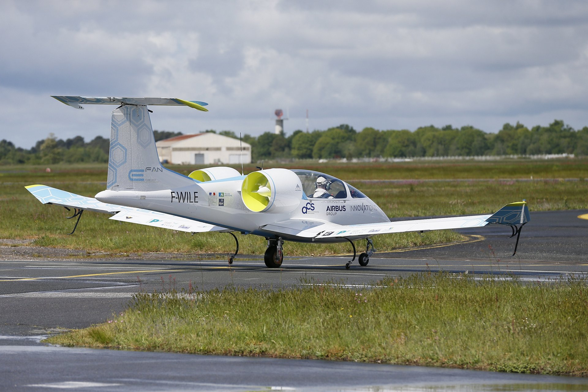 A side view of E-Fan 1.0, the first electric aircraft demonstrator developed in the Airbus portfolio.
