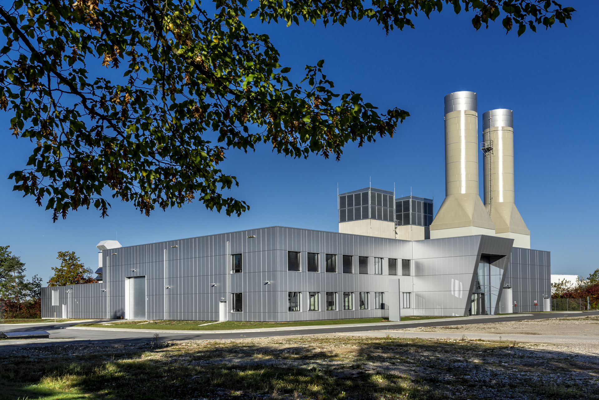 This Airbus test centre will provide a space to research technologies for alternative propulsion systems and energy sources – such as electric motors for unmanned aerial vehicles, hybrid propulsion systems and hydrogen for combustion or synthetic fuel use.