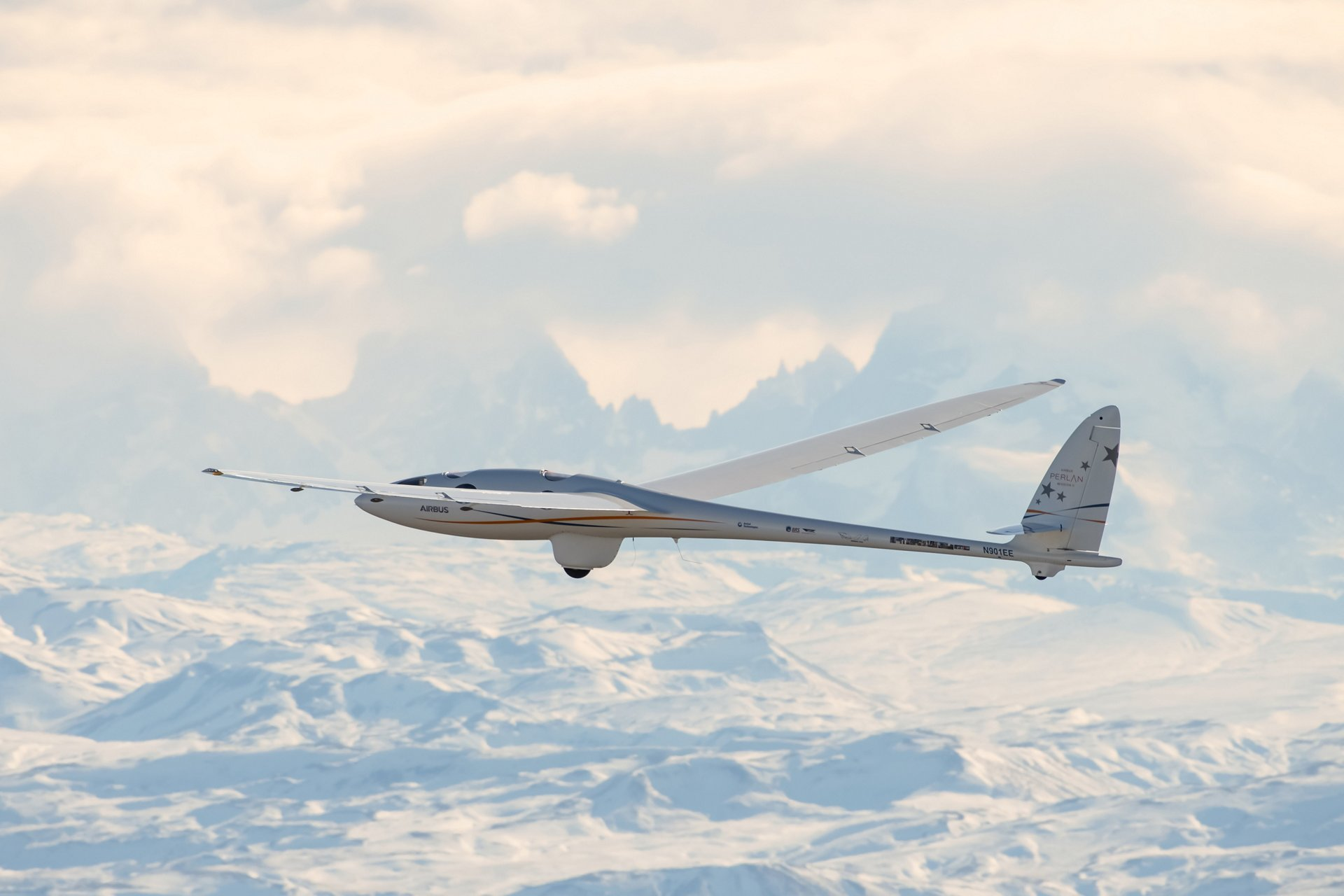 Airbus Perlan Mission II soars to over 62,000 feet, setting second altitude world record and crossing Armstrong Line