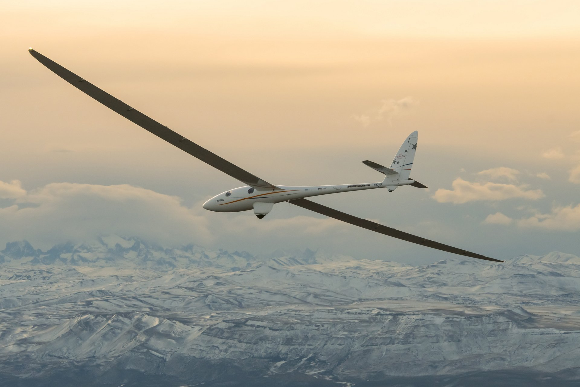 airbus perlan mission ii glider soars to 76 000 feet to break own