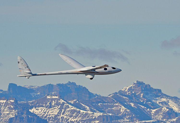 Perlan flying  over Argentina