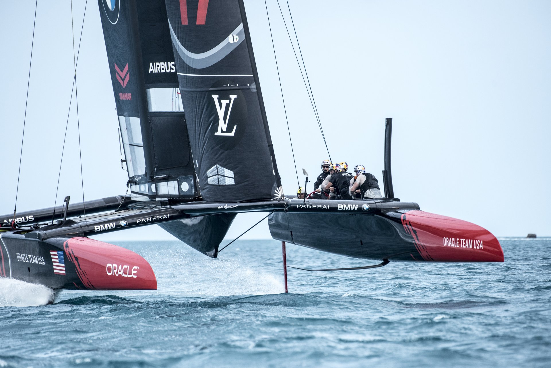 As Official Innovation Partner of ORACLE TEAM USA, Airbus is sharing its know-how in such fields as aerodynamics, instrumentation and simulation, composites, structures, hydraulics and data analysis