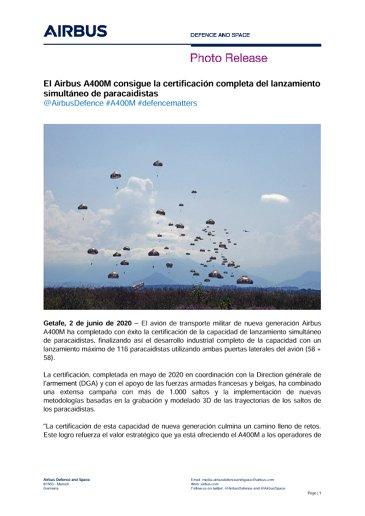 El Airbus A400M consigue la certificación completa del lanzamiento simultáneo de paracaidistas