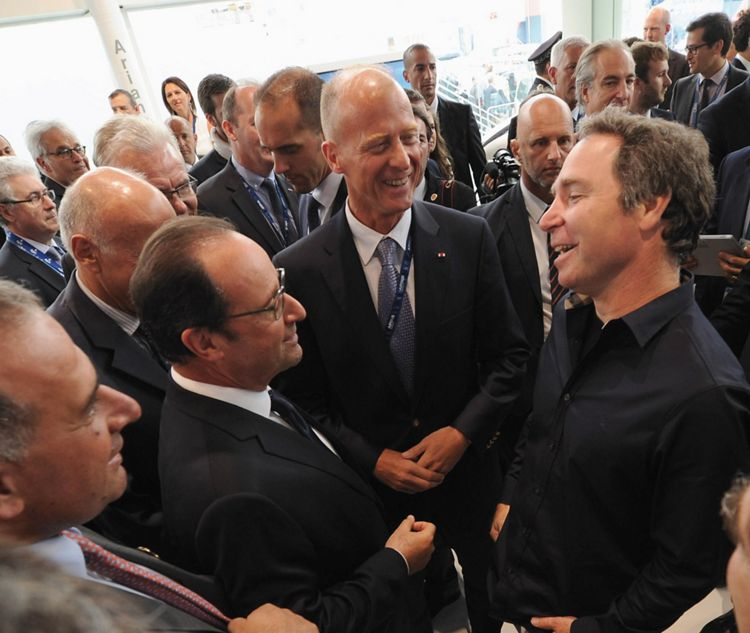 Paris Air Show 2015: Airbus Group In Satellite Partnership With OneWeb