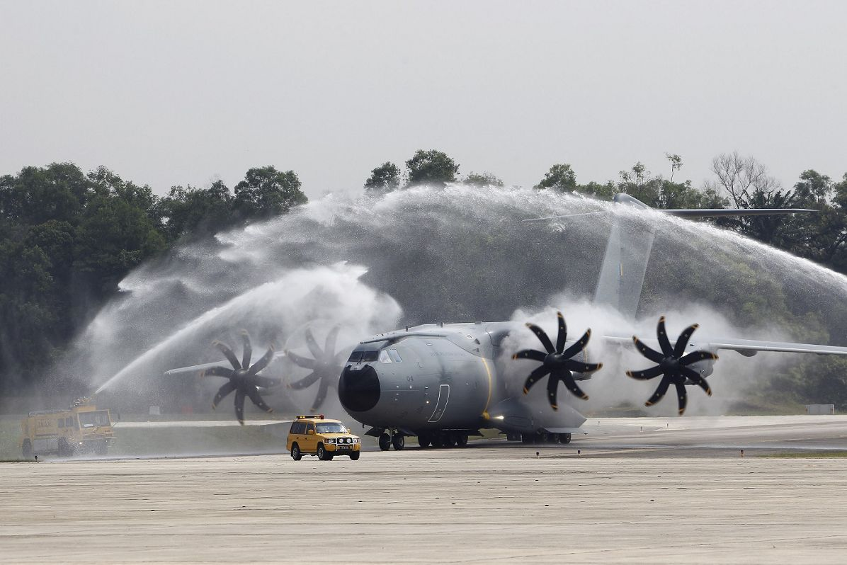 Humanitarian delivery flight of the fourth A400M to the RMAF (I)