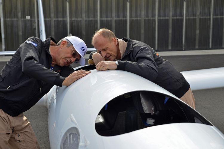 Tom Enders and Jim Payne Perlan test flights
