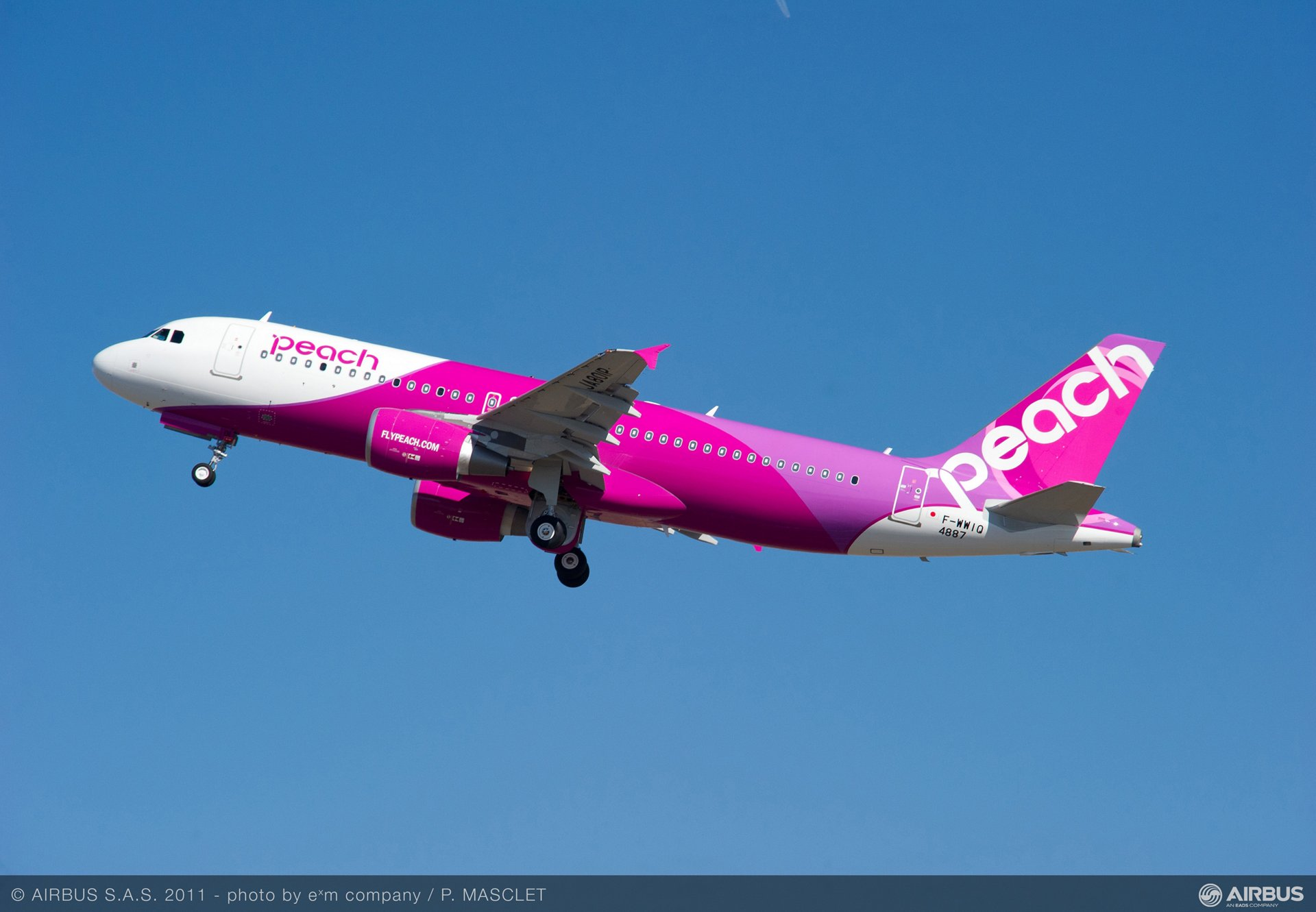 Peach Aviation signs contract for three A320s_6