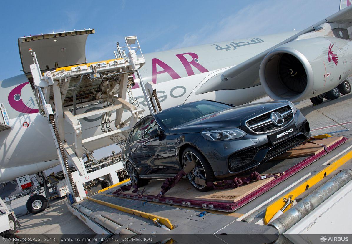 A330-200 F Qatar loading Mercedes 2