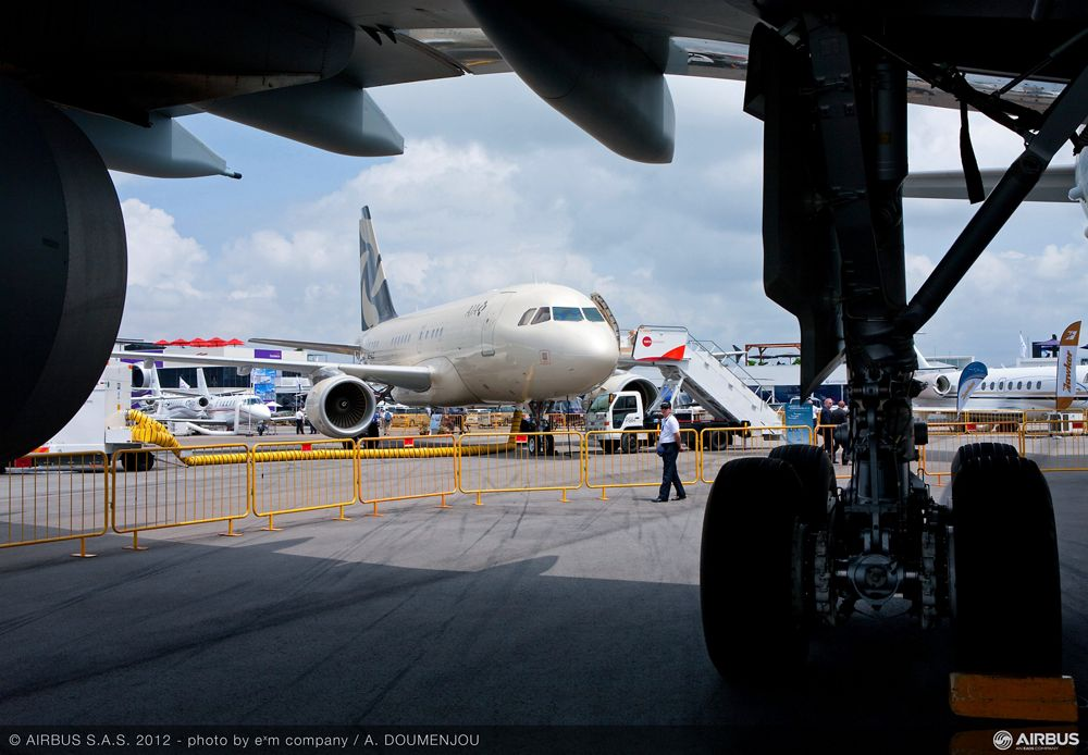Singapore Airshow 2012 - In the shade