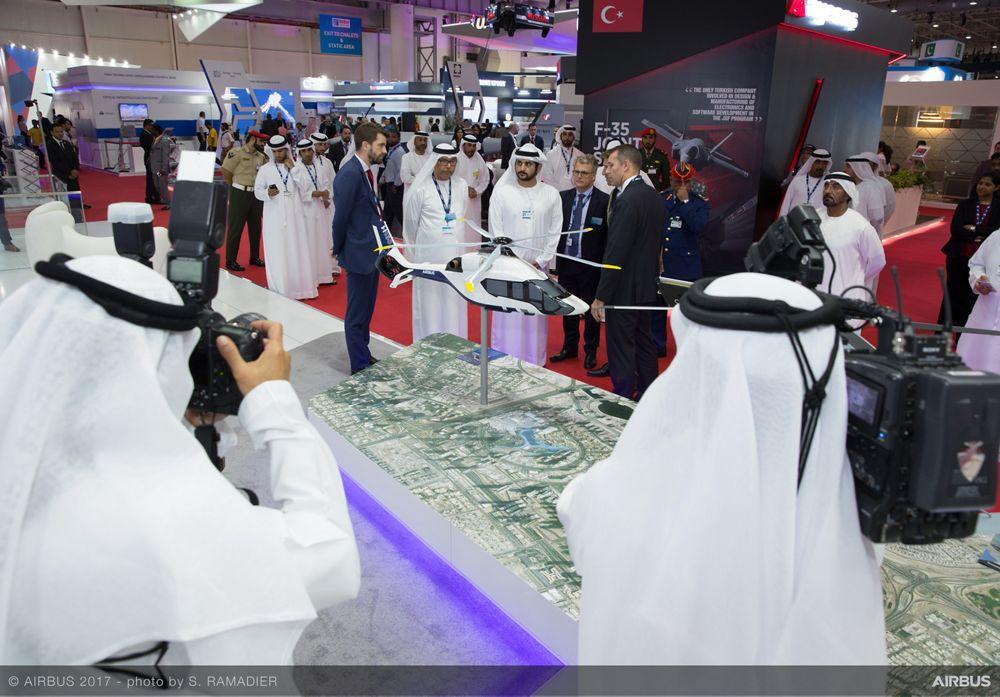His Highness Sheikh Maktoum bin Mohammed bin Rashid Al Maktoum Official Airbus stand visit 4