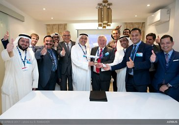 Wataniya Airways A320neo announcement at Dubai Airshow 1