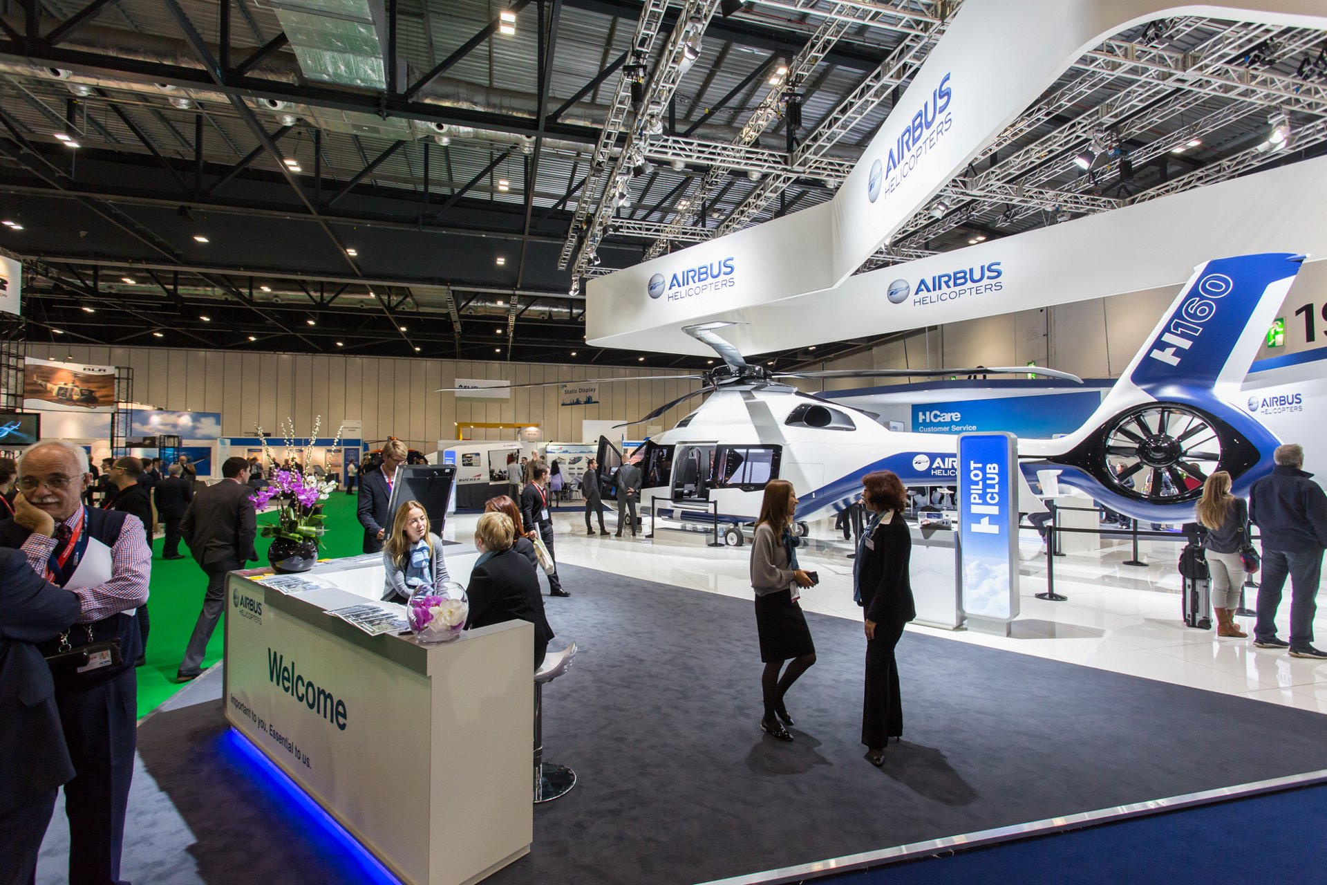 Airbus Helicopters signs important contracts and reaffirms commitment to customers at Helitech