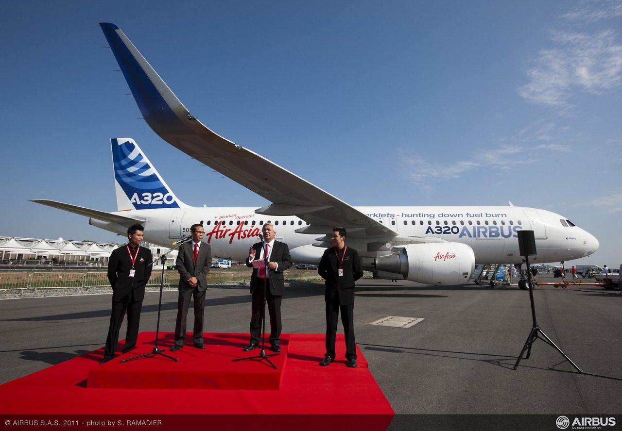 ILA 12  - Air Asia A320 Sharklet
