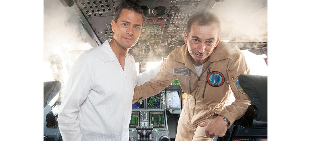 "President of Mexico, Enrique Peña Nieto, in the  Airbus A400M cockpit with Experimental Test Pilot Ignacio ""Nacho"" Lombo"