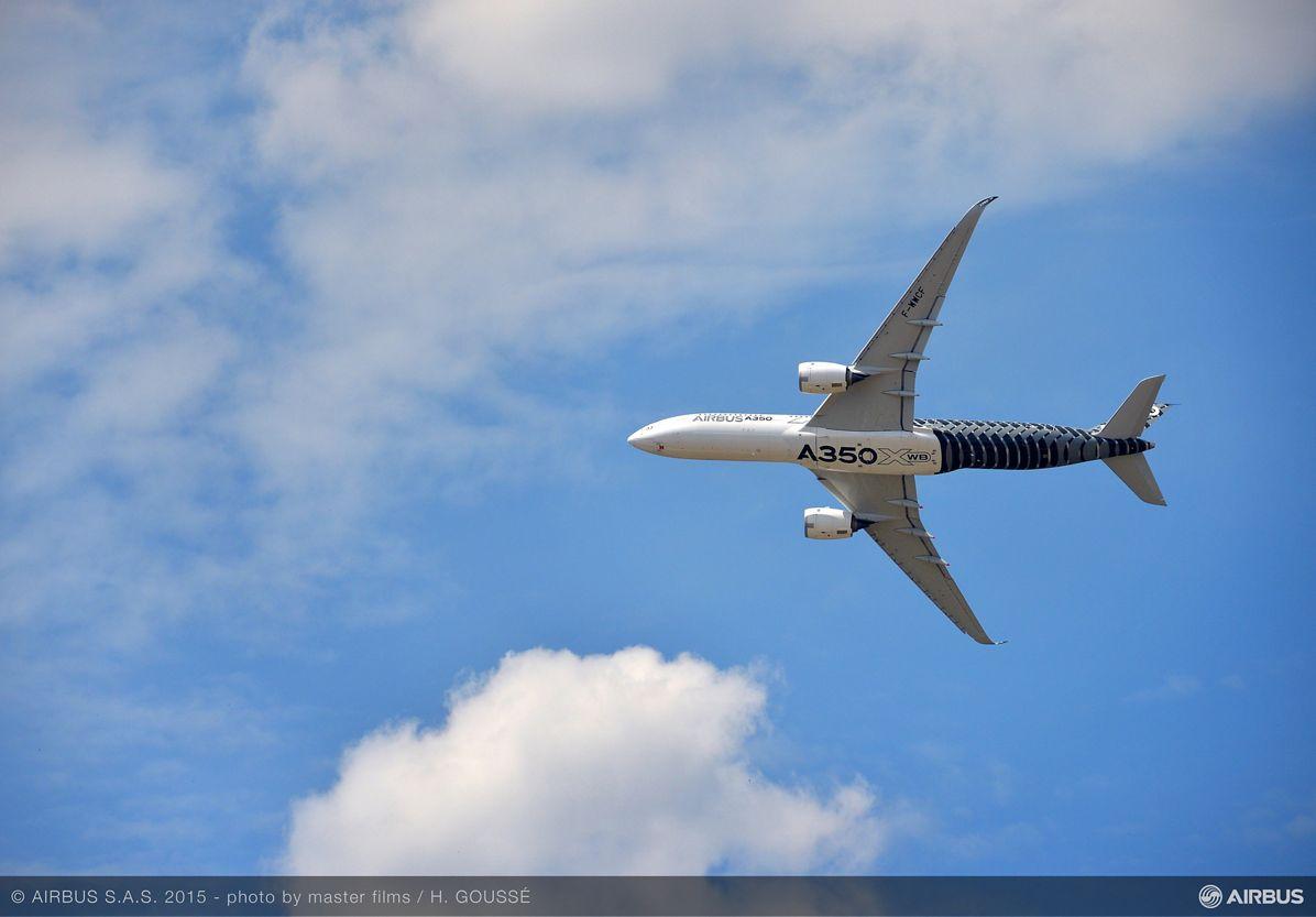 PAS 2015 day 2 demo flight A350 XWB