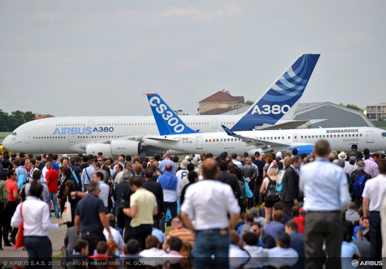 PAS 2015 day 2 demo flight A380 C SERIE