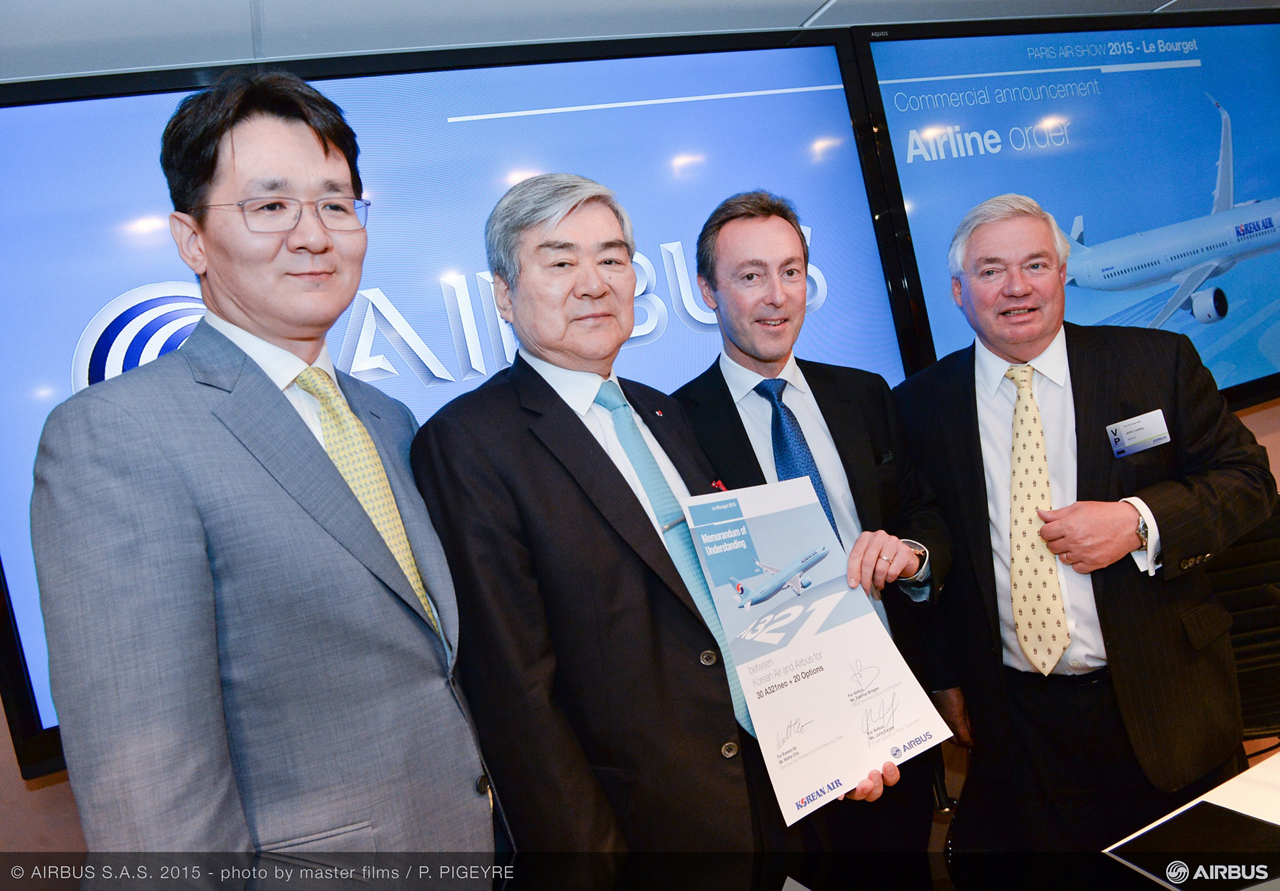 Korean Air became a new customer for Airbus' best-selling A320 Family with an agreement for up to 50 A321neo aircraft, which was announced at the 2015 Paris Air Show by Korean Air Group Chairman Cho Yang Ho and Airbus President and CEO Fabrice Brégier