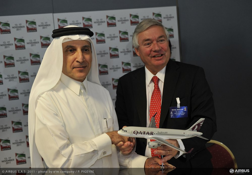 Dubai 2011 - Qatar orders A320s and A380s