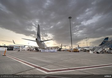 Ambiance on static at Dubai Airshow 2019 - Day 1