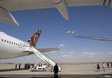 A380 Emirates flying with Al Fursan – Dubai Airshow 2019