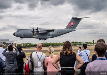 A400M Flying Display - FIA2018 - Day 02